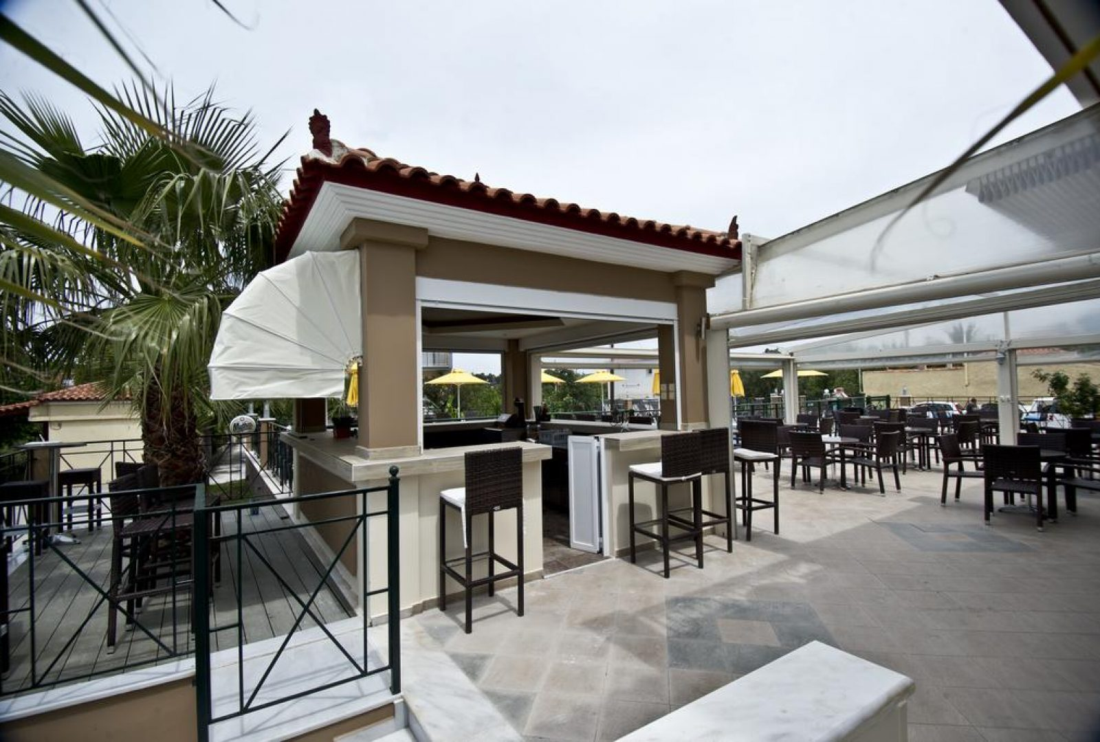 Plaza Palace Hotel outdoor bar